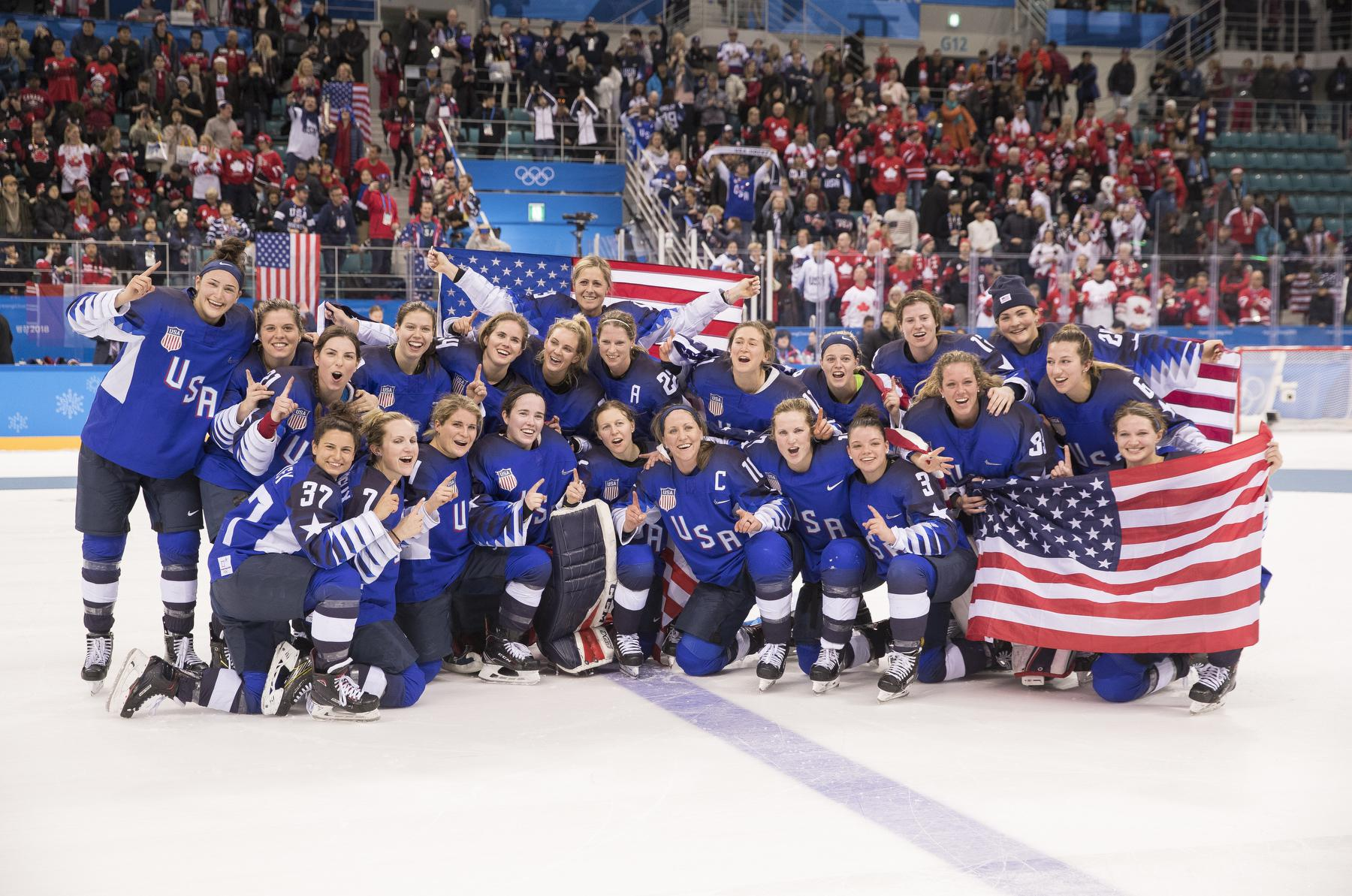 gold medal yet another proud hockey memory for linda lamoureux