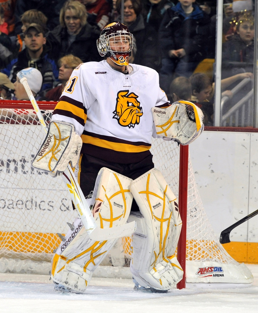 Photos Of Minnesota Goalies Playing Men S College Hockey