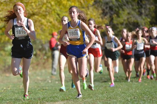 Fenwick's Olivia Ryan (1816) and Lyons' Lexy Rudofski (1808) lead a pack