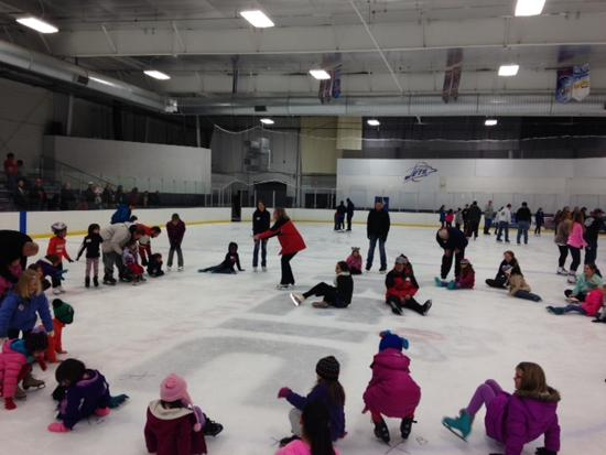 Highland Learn to Skate - St. Paul Figure Skating Club