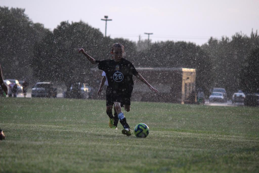 ESC '05 Academy Boys in the Rain!