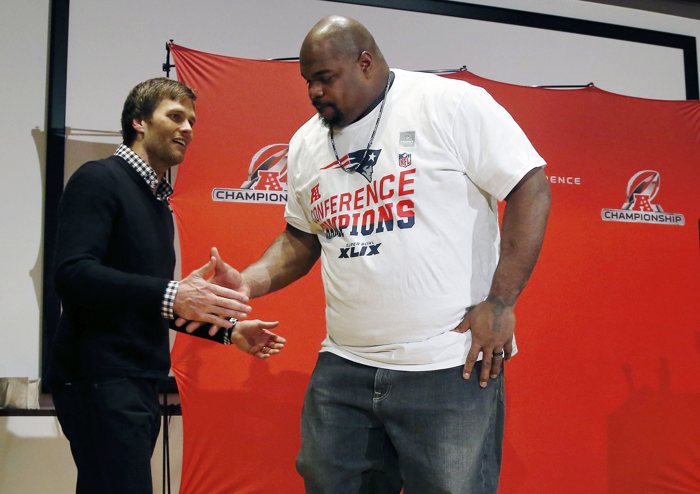 Patriots' lineman Vince Wilfork stops to help accident victim ...