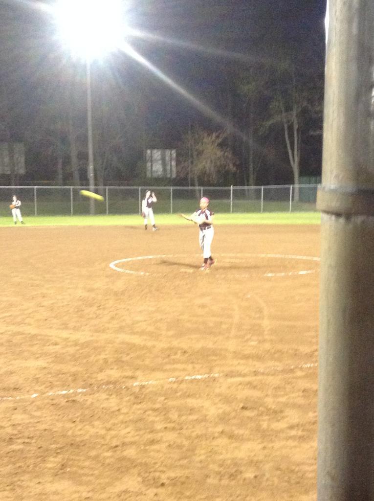 Amateur baseball pitching distance 8 under