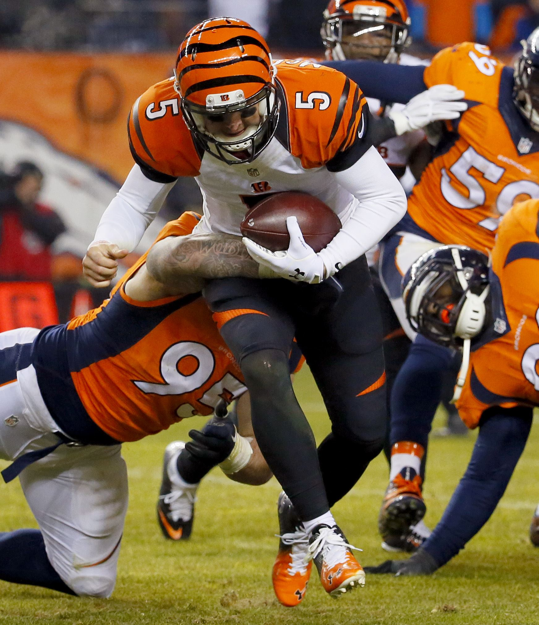 bengals broncos odds who winning the football game today