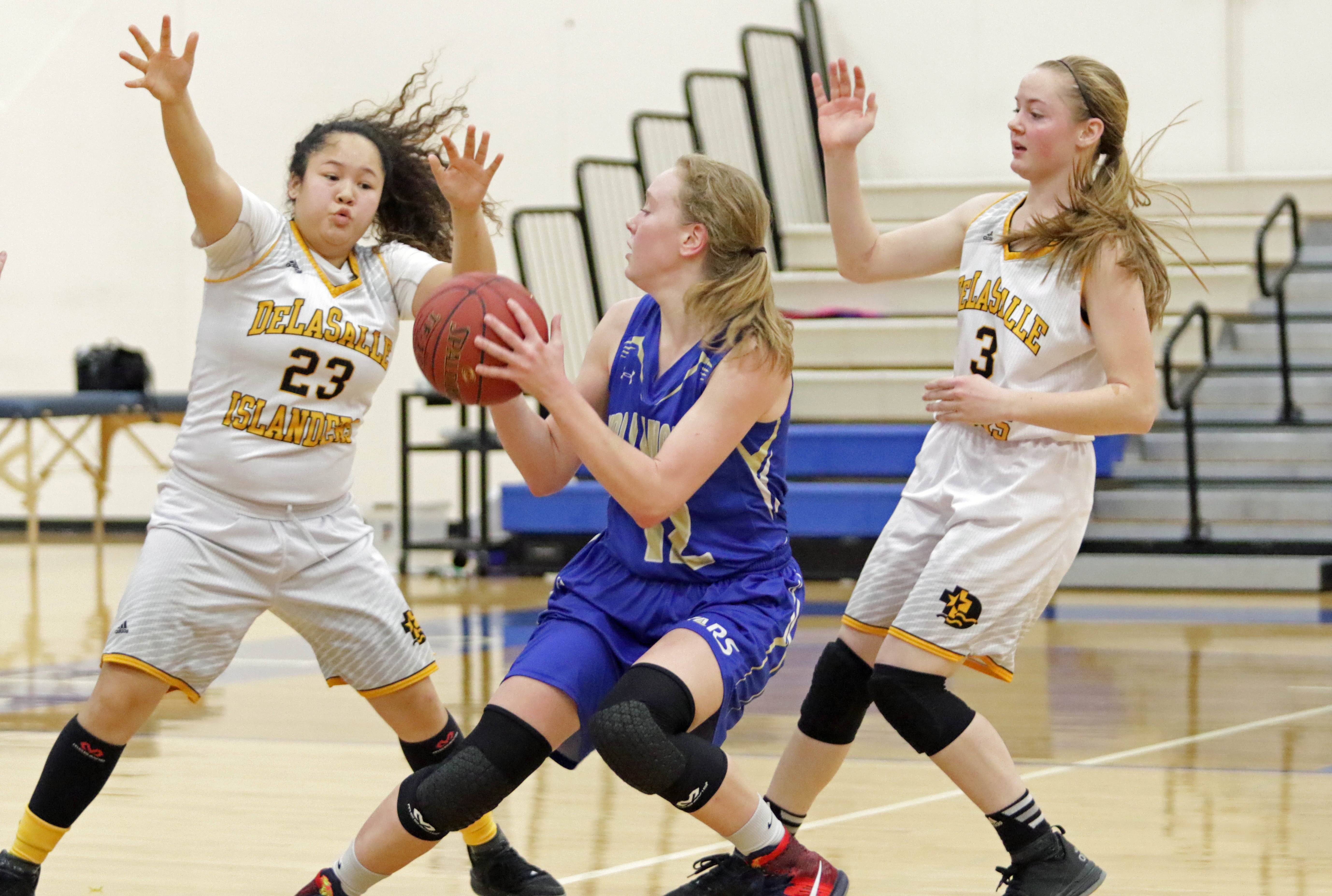 Bagwell-Katalinich scores 43 as Holy Angels downs DeLaSalle