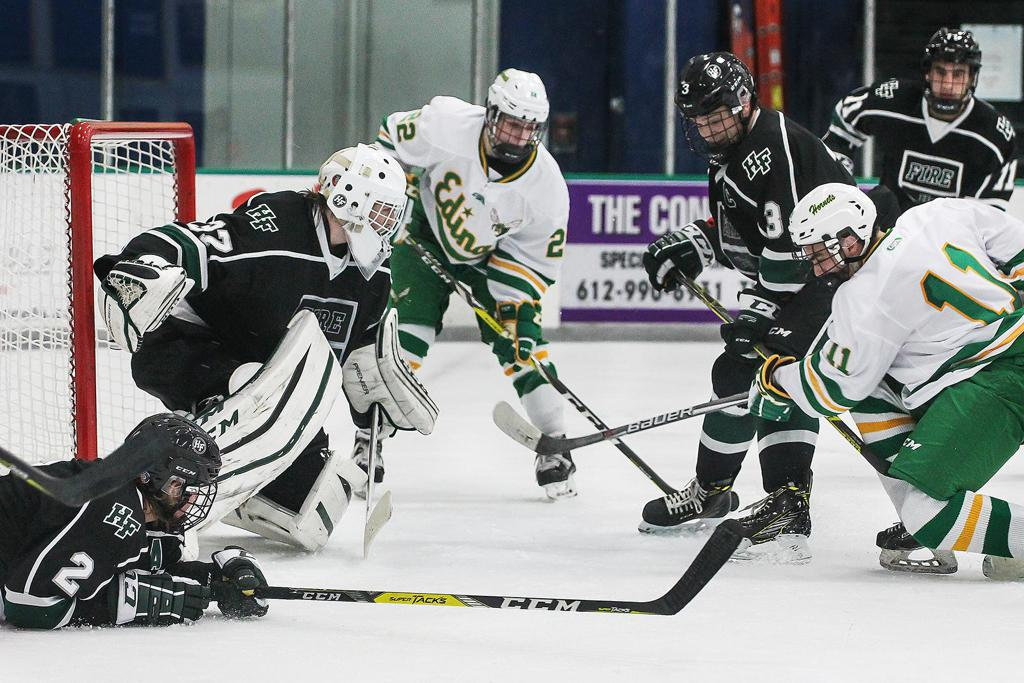 MN H.S.: Holy Family Holds Of Edina To Win The Turkey Trot Tournament Opener