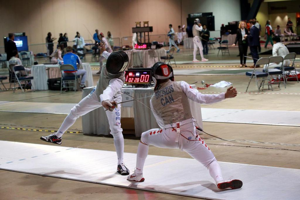Sixteen U S Fencers Advance To Second Day At The Absolute