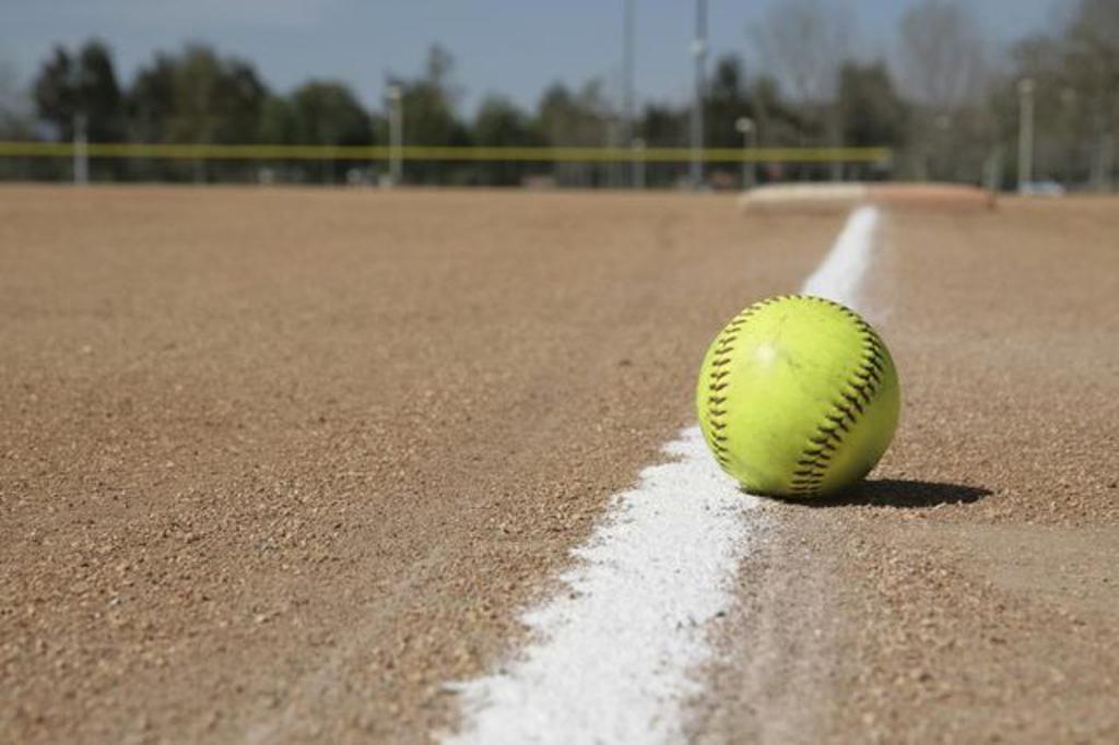 Fall Softball Image