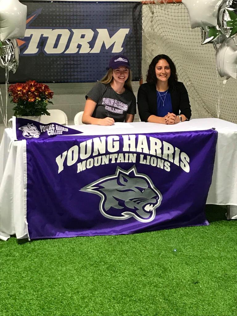 Elizabeth Cooley signs with Young Harris