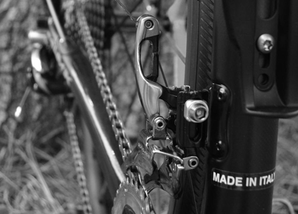 Front derailleur high and low screws