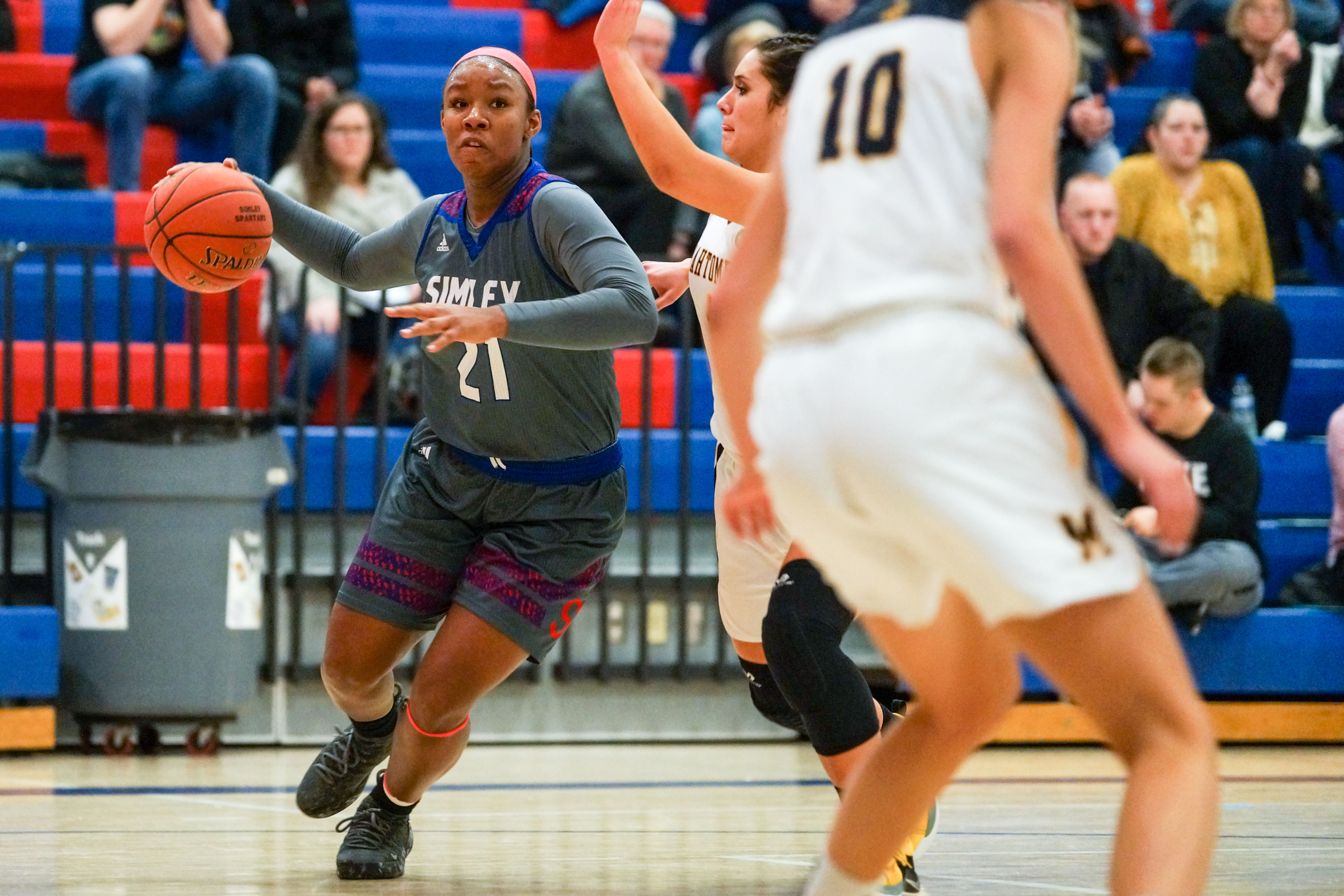Simley senior Ysareia Chèvre (21) and her Spartan teammates were in control most of the night against visiting Mahtomedi Tuesday in an easy conference victory. Photo by Korey McDermott, SportsEngine