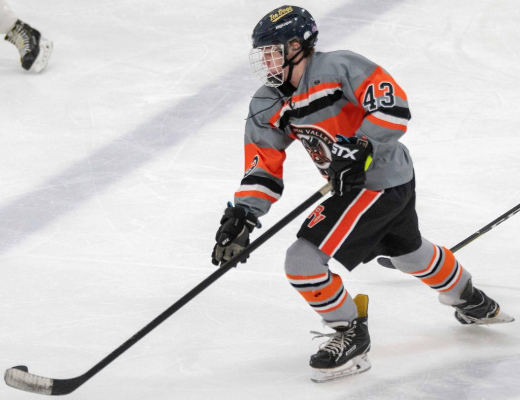 Friday's boys' varsity game recaps: Maiden's 4 Goals leads Perk Valley to victory