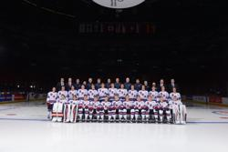 Osiecki (back row center) and Don Granato (one to left) coached together at the 2015 IIHF World Junior Championship.